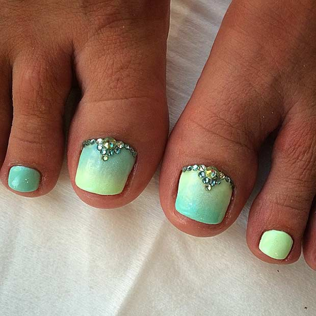 Ombre Green Bling Toe Nail Design
