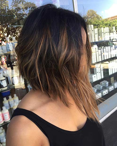 Угао Brunette Bob Haircut with Caramel Highlights