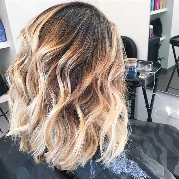 dalgalı and Messy Blonde Balayage Lob
