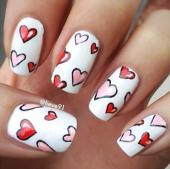 fehér Heart Nail Art Design for Valentine's Day