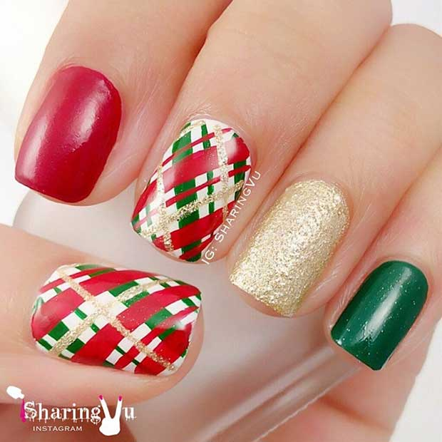 Зелен Gold and Green Tartan Nails