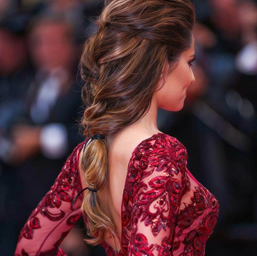 Francoski Braid Into Low Ponytail