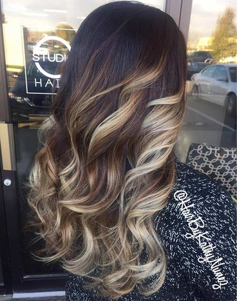 Argintiu Blonde Balayage Highlights on Dark Hair