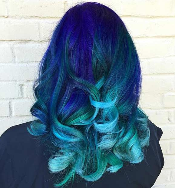 אפל Blue Hair with Light Blue Tips