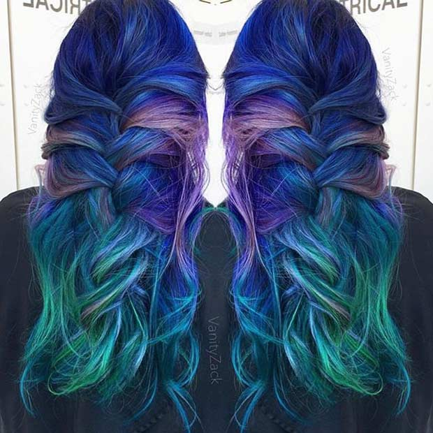 כָּחוֹל and Green Mermaid Hair Color Idea