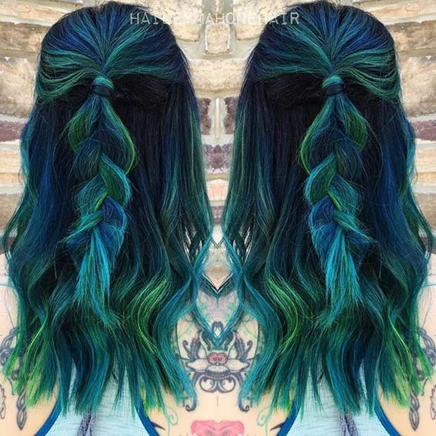 אפל Blue and Dark Green Hair