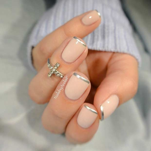İnce Silver French Tip Manicure
