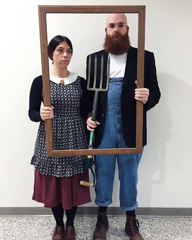 אֲמֶרִיקָאִי Gothic Couples Halloween Costume Idea