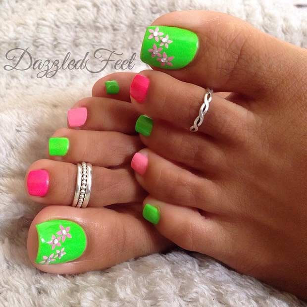 Grön and Pink Pedicure Design for Spring and Summer