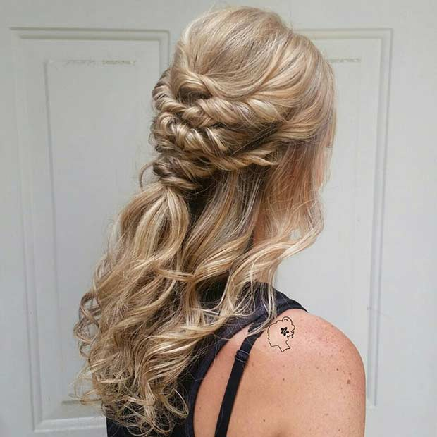 เป๋ Curly Half Updo for Bridesmaids