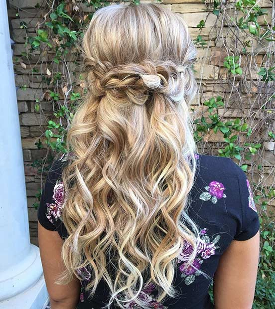 ยาว Curly Half Updo for Bridesmaids