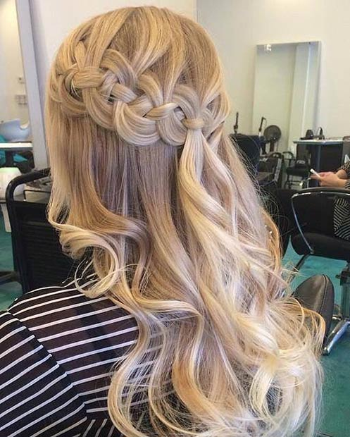 Fél Up Braided Crown Hairstyle