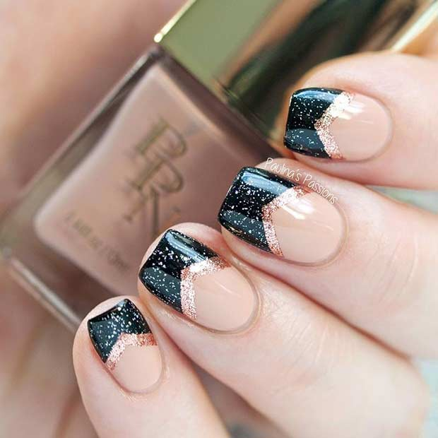 काली and Gold French Tip Nail Design