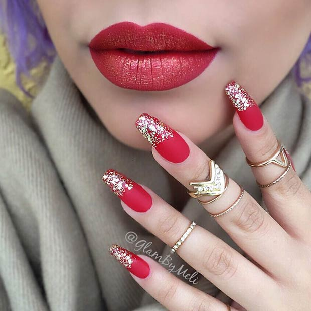 मैट Red and Gold Glitter Nail Art Design for Holidays