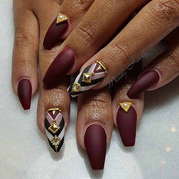 mată Burgundy Coffin Nail Design