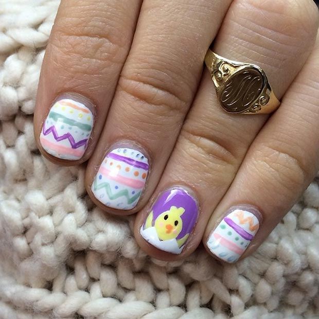ไก่ in the Egg Accent Nail