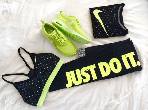Црн and Lime Green Workout Outfit