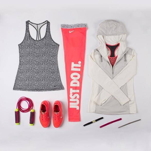 Дуго Sleeve Grey Pink Workout Outfit