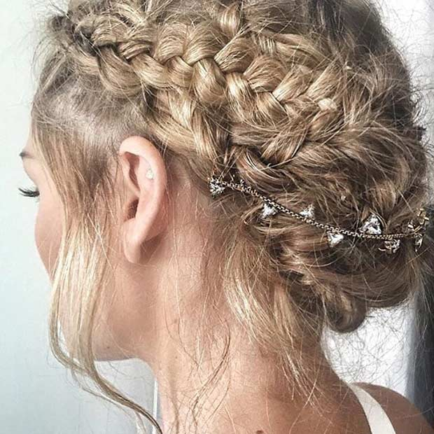 בוהו Braided Updo