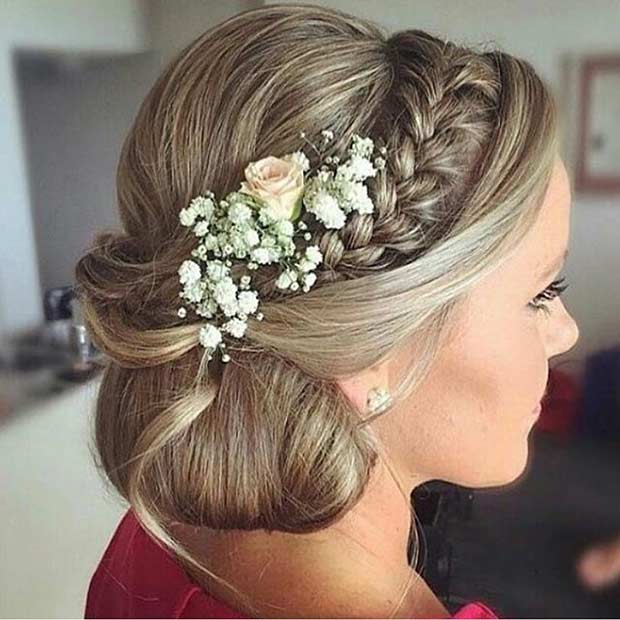 צַד Bun Updo with Braids and Flowers