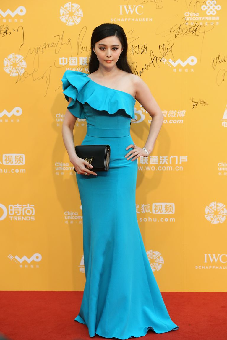 Ventilator Bingbing in turquoise blue gown