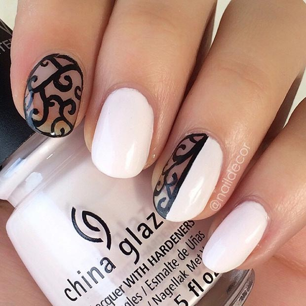 Črna and White Elegant Nails