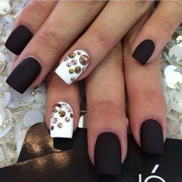Bela Accent Nails with Rhinestones