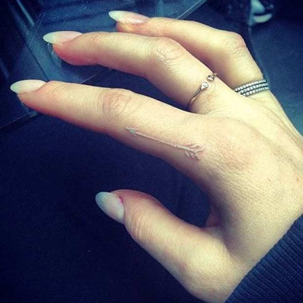 Kendi ellerinizle bir dövme boynuz yapın mı Muhtemelen