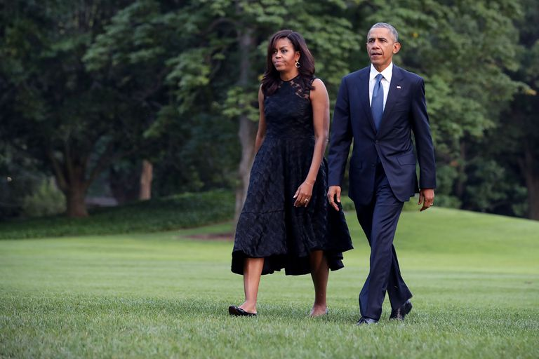 elnök And Mrs. Obama Return To The White House
