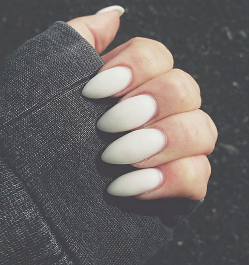 Vit Matte Stiletto Nails