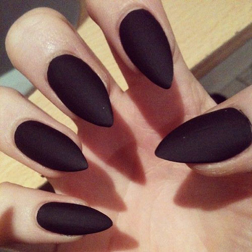 Svart Matte Stiletto Nails