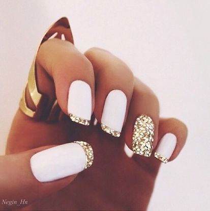 Vit Matte Gold Glitter Nails