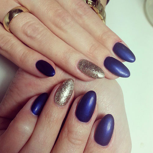 Mavi Matte Nails Gold Glitter