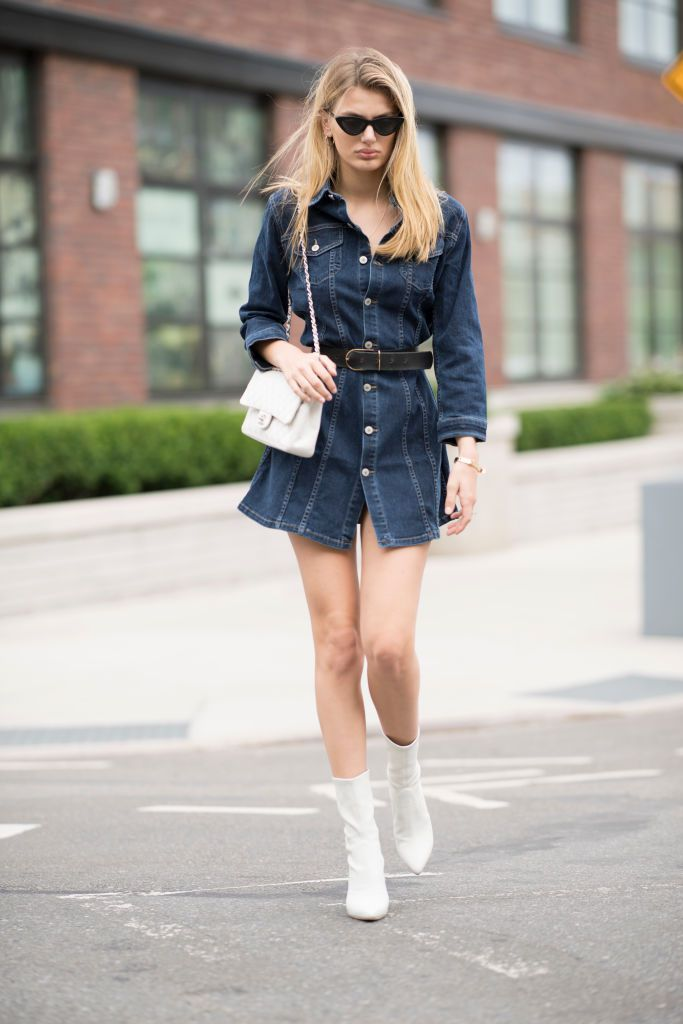 Stradă style in denim dress