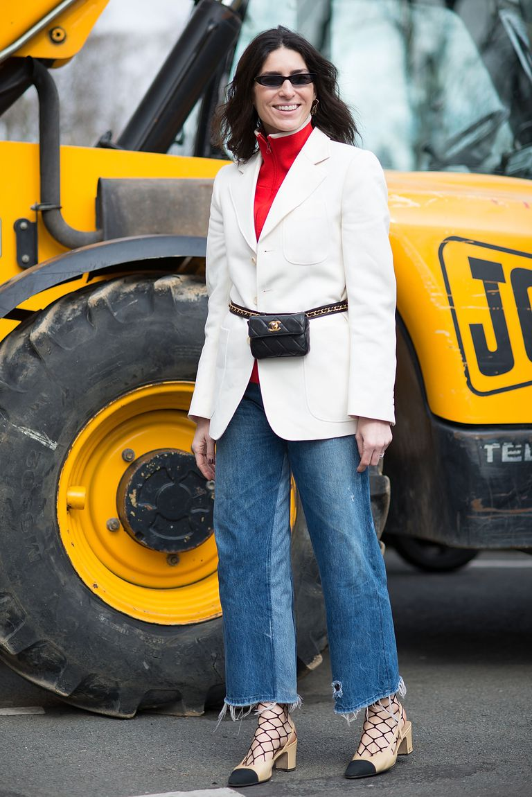 ถนน style woman in white blazer and wide leg jeans