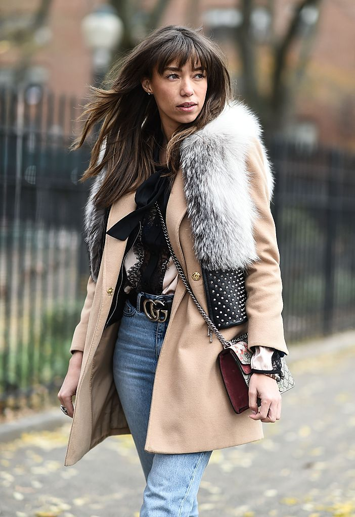 Stradă style fur vest and jeans
