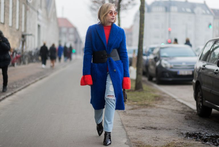 Stradă style blue coat and jeans