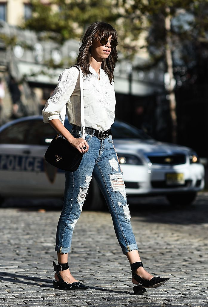 Улица style ripped jeans