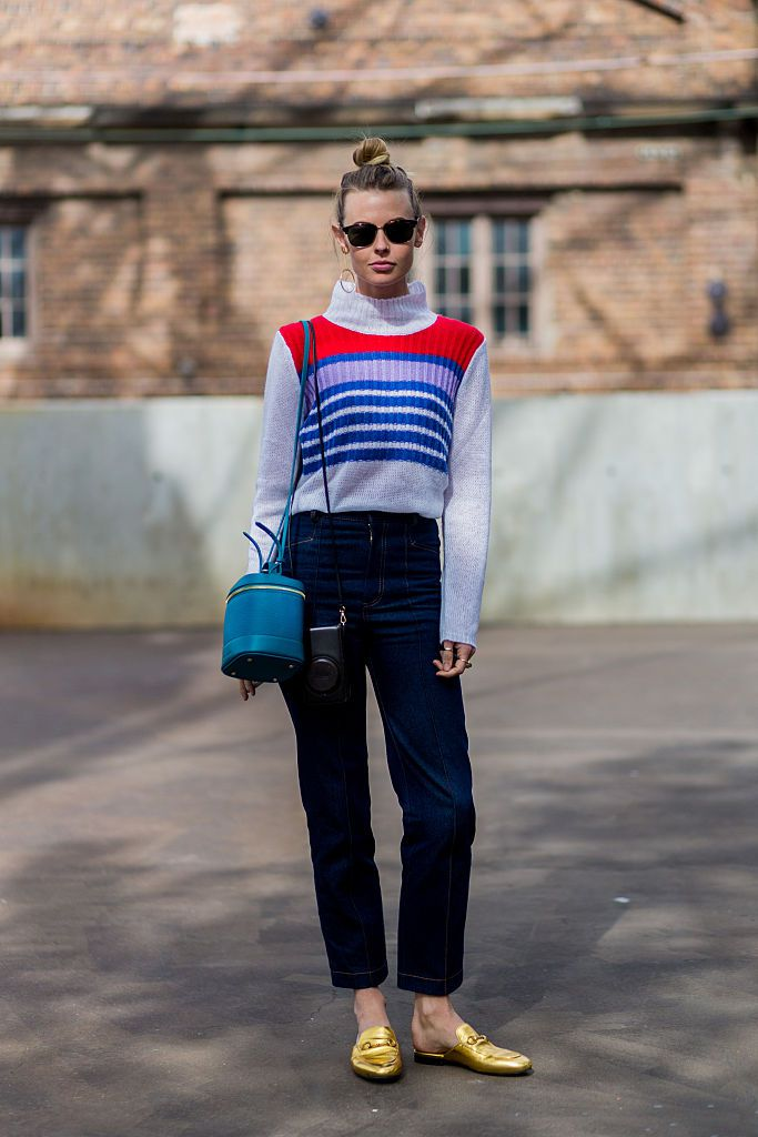 Улица style jeans and sweater