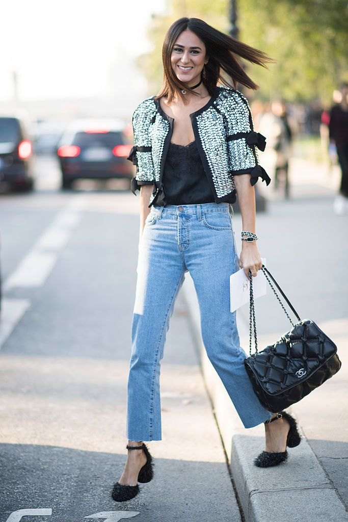 Улица style jeans and tweed jacket
