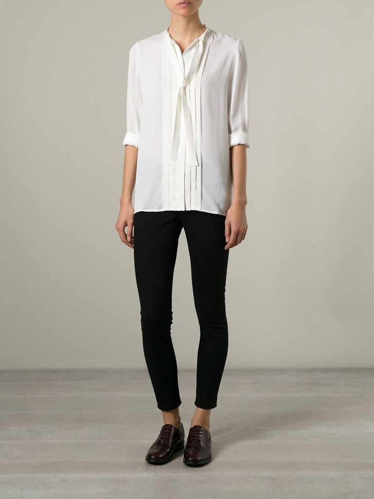 Sıska jeans and bow blouse