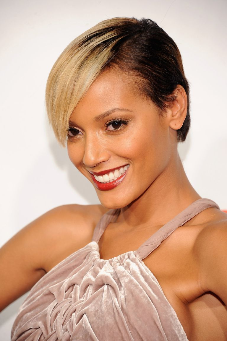 Selita Ebanks with short hairstyle