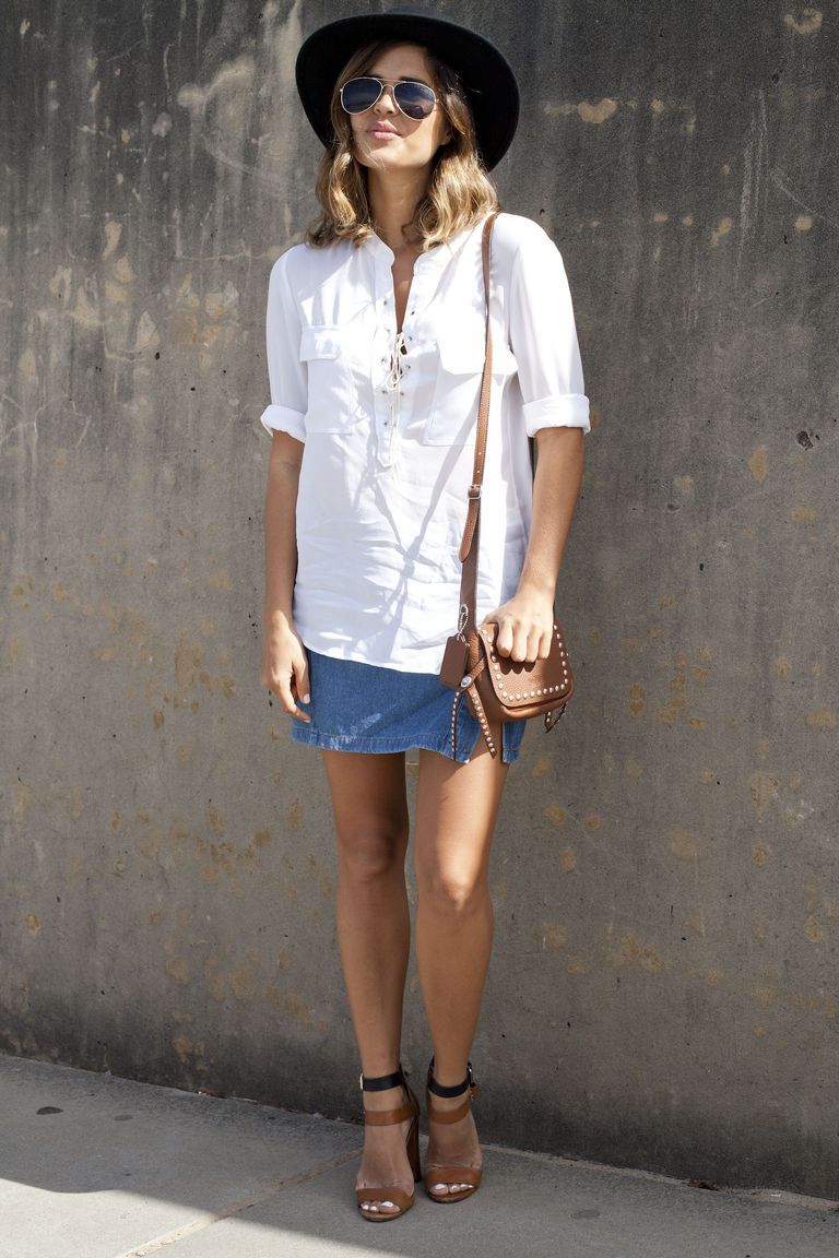 Јеан skirt outfit with white shirt