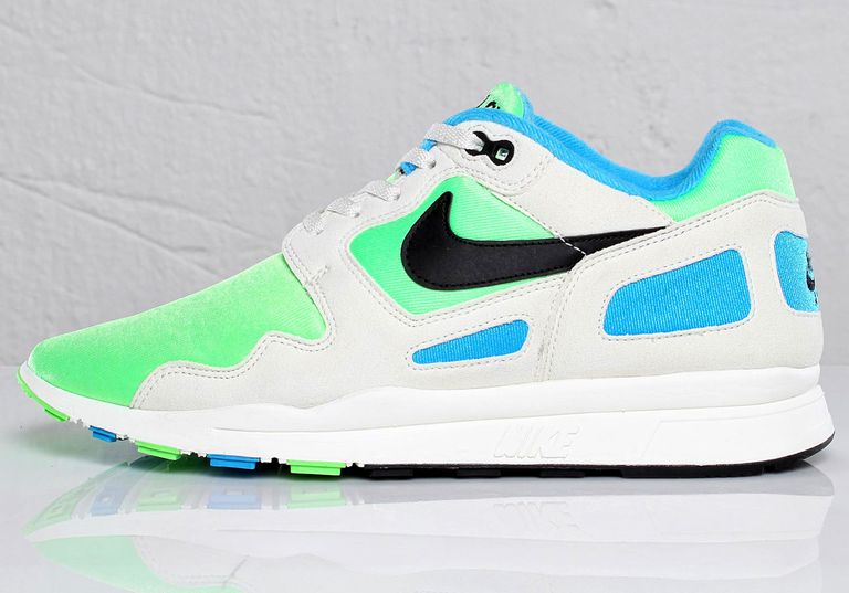 nike-air-flow-sneakersnstuff.jpg
