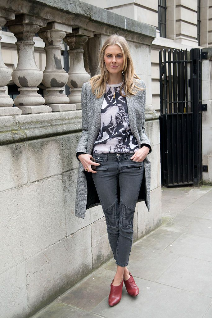 utca style grey jeans outfit