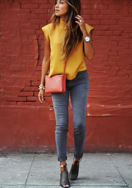 utca style grey jeans yellow shirt