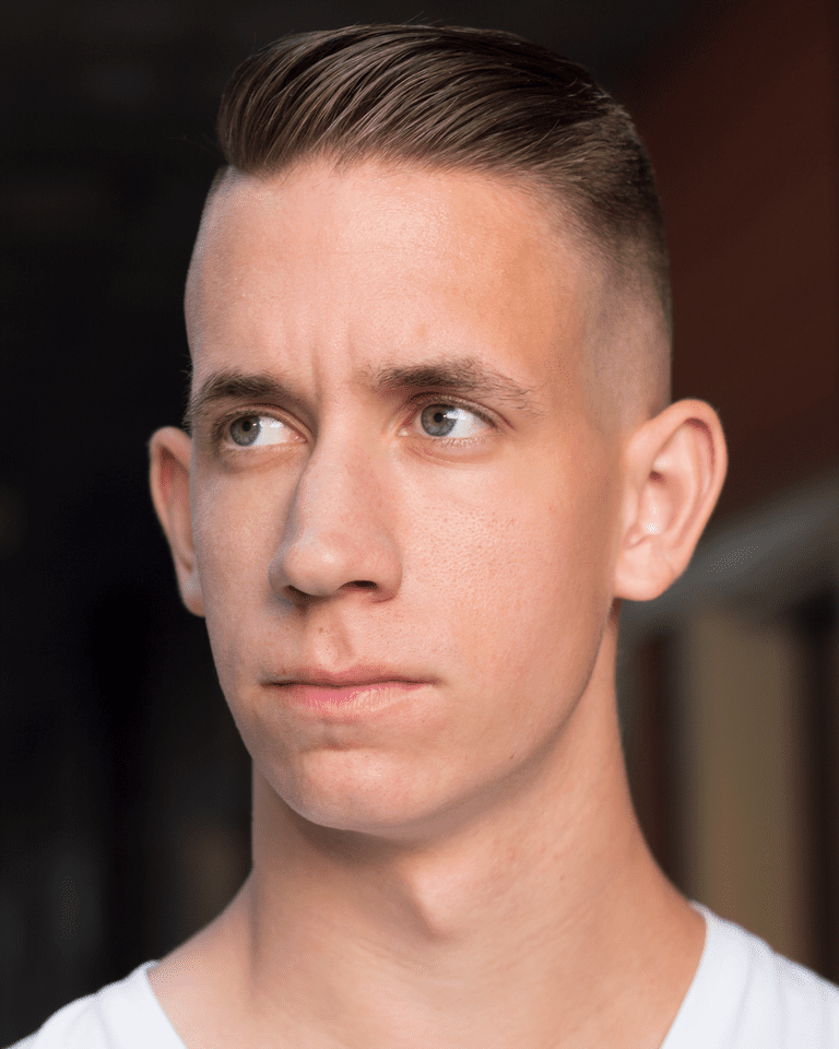 A Men's Undercut Haircut