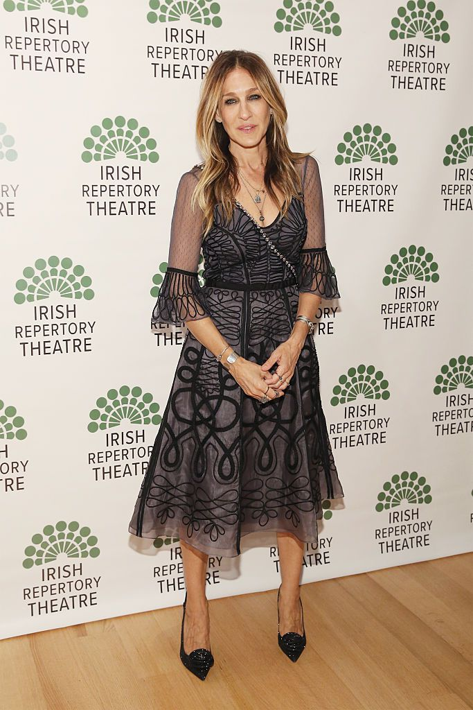 Глумица Sarah Jessica Parker attends the opening night of 'Shining City' at the Irish Repertory Theatre on June 9, 2016 in New York City.