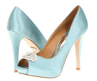Szatén evening shoes with pale blue uppers, rhinestone embellishments and covered heels.