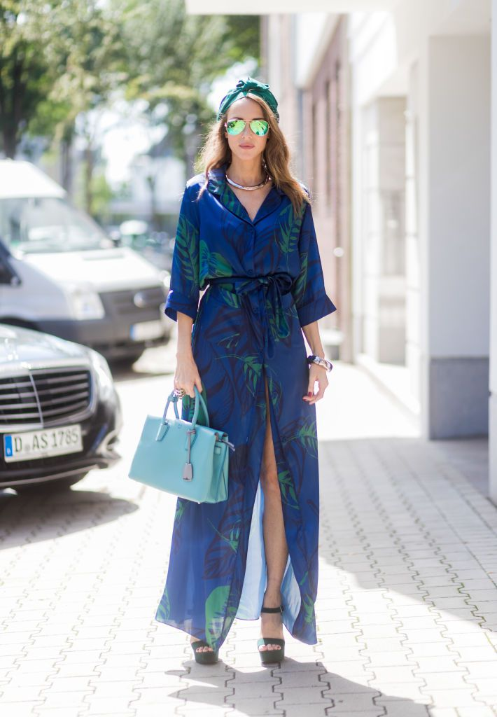 Ulica style fashion - blue outfit with maxi dress and headscarf